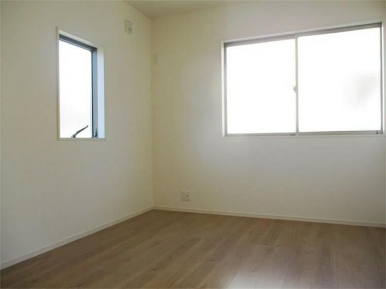 同仕様写真(内観) 居室3、6.75帖+南向き窓で明るいお部屋!