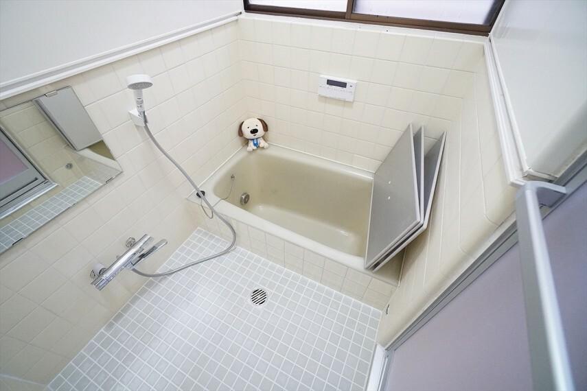 浴室 この空間で一日の疲れを癒していただきたい という思いが込められています! 毎日のバスタイムを少し特別な時間に。