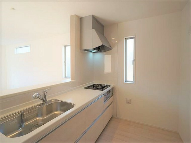 キッチン  お料理スペースも広いので楽しく料理ができそうですね 令和3年1月28撮影