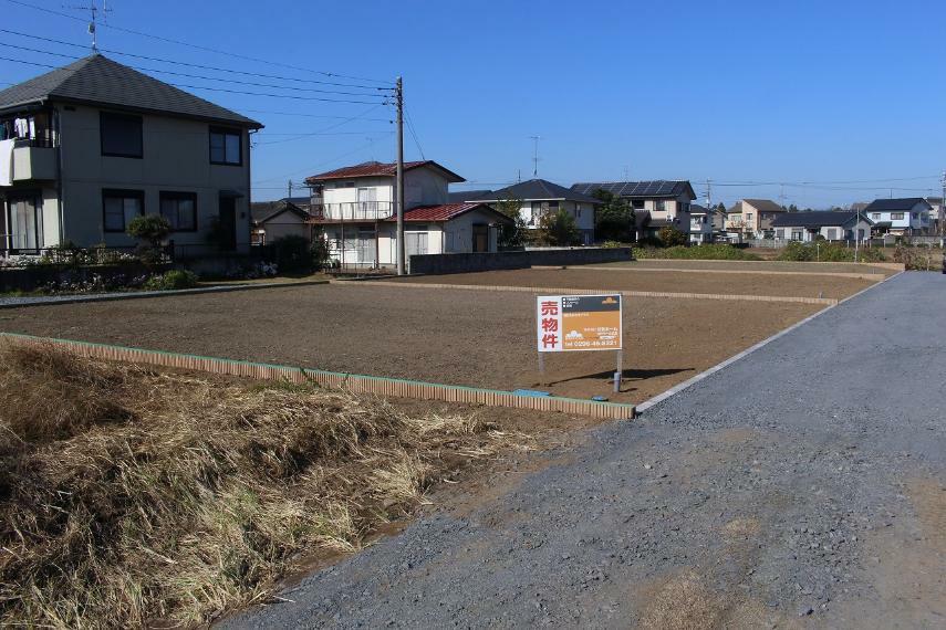 現況写真 東側道路南から北西方向に全区画撮影