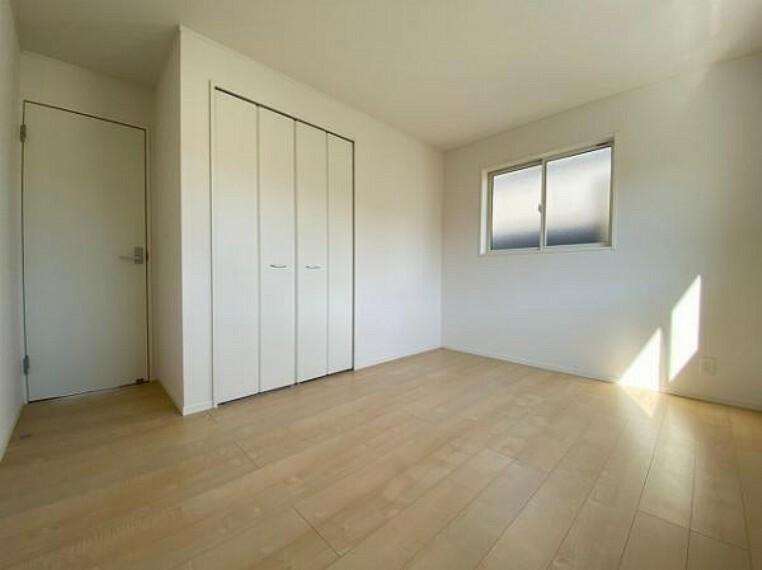 子供部屋 陽当たりの良い洋室はお子様の子ども部屋にピッタリです