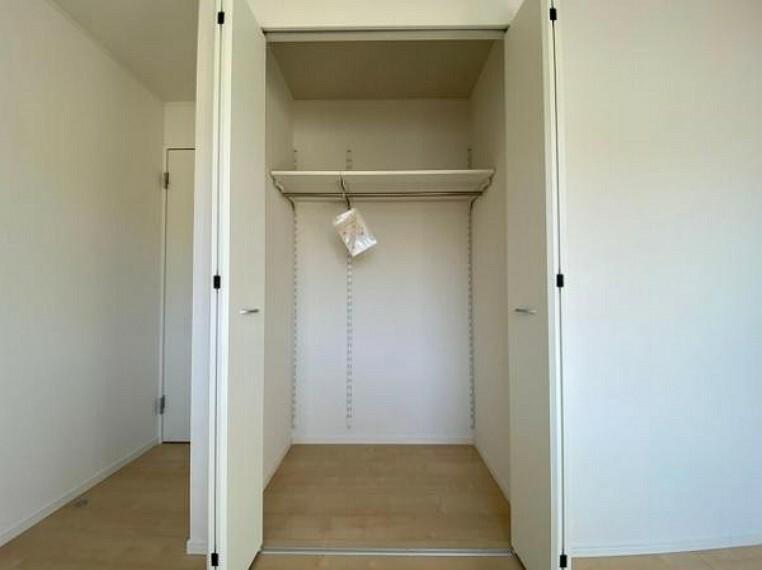 収納 広々としたクローゼットは、季節のものもたくさん収納しておける便利なスペースです!