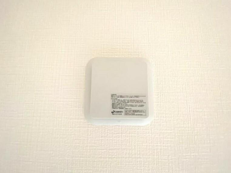 同仕様写真 お部屋の中の空気を24時間循環・換気するシステムです。 きれいな空気を取り入れることができ、カビを発生させる結露や湿気を防ぐことに役立ちます。
