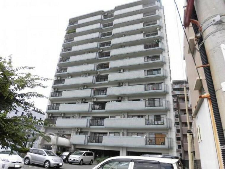 外観写真 12階建て総戸数32戸のうちの4階です。