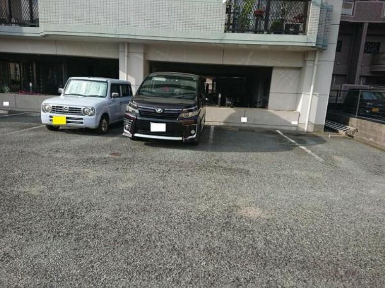 駐車場 駐車スペースはマンション敷地内に1台分確保しています