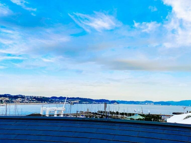 眺望 湘南の風と開放的な眺望を満喫できます。