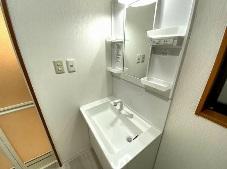 洗面化粧台 「洗面所」洗面台は新品に交換しております。