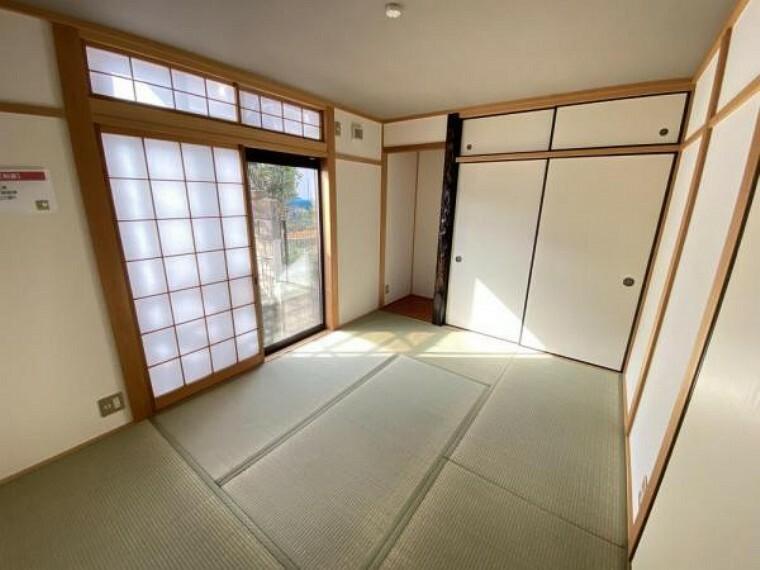 「和室」収納付きの6帖和室でございます。