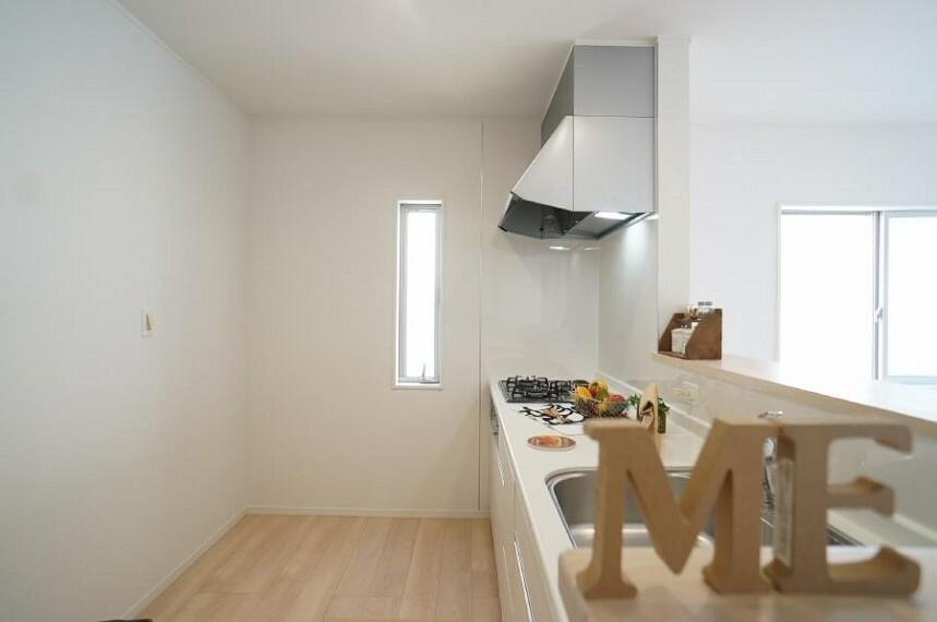 キッチン ゆとりあるキッチンスペース。ご家族でお料理も楽しいですよね。