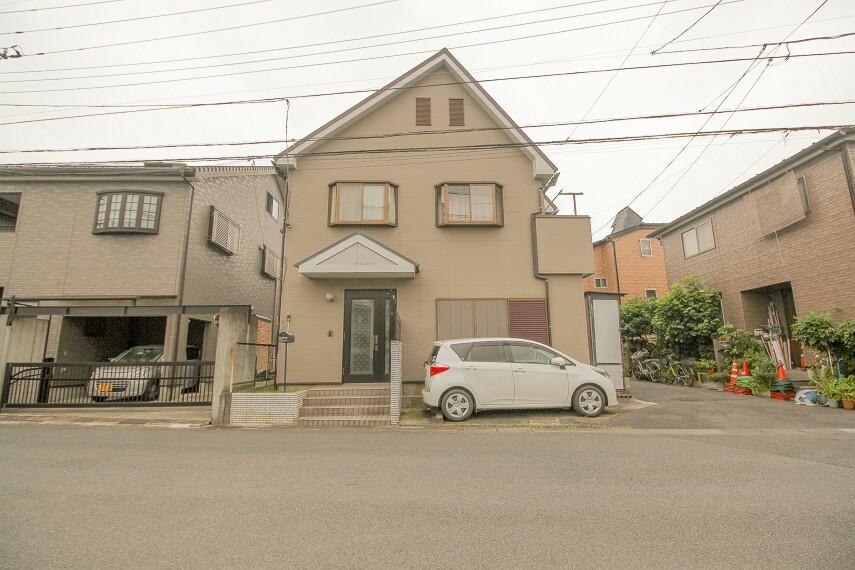 外観写真 東岩槻駅徒歩7分の好立地。閑静な住宅街に立地しながら商業施設も充実した生活便利な立地が魅力です。