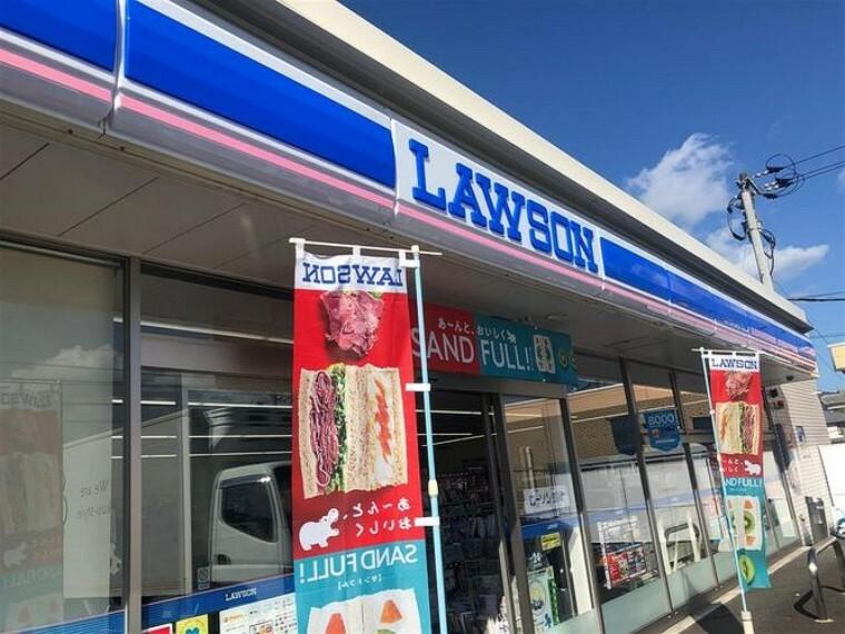 コンビニ ローソン小倉高尾二丁目店