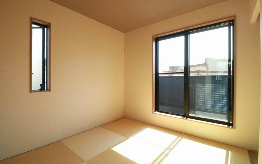 和室 施工例■和室のお部屋は、客間として使ったり、趣味の部屋として、ちょっとした家事をしたりと用途は多様です。