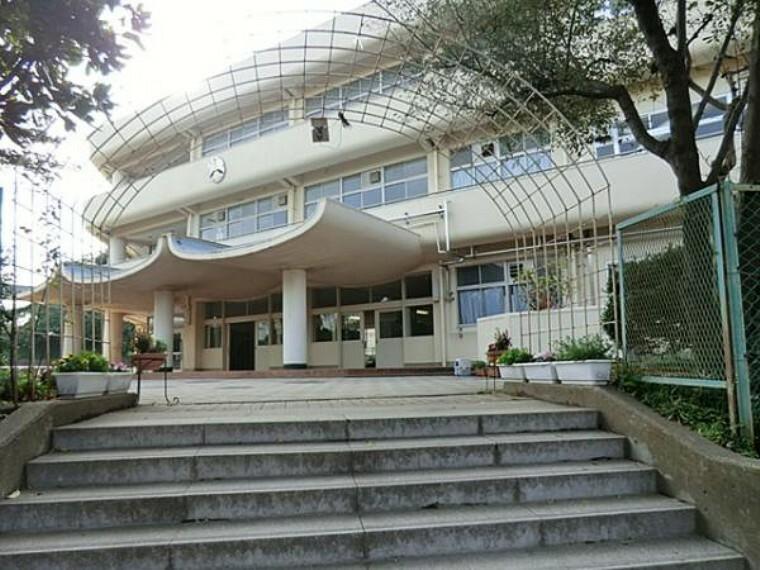 中学校 横浜市立上の宮中学校 約1000m
