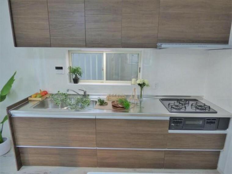 キッチン 【キッチン】広くとられたキッチンスペース お料理がはかどります