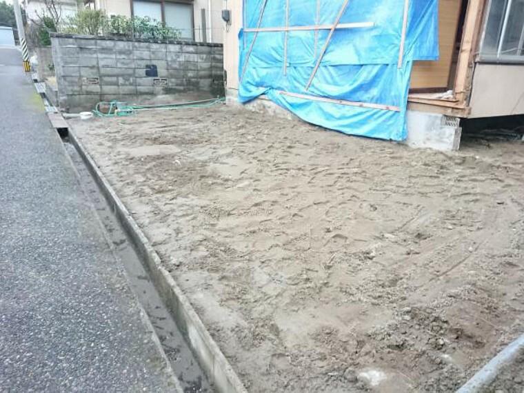 駐車場 【リフォーム中】土間コンクリートを打ちます。配管は切り下げます。