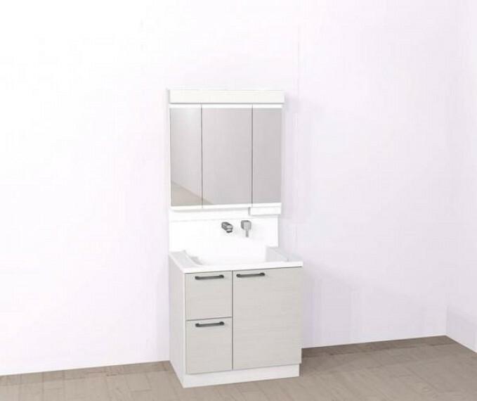 洗面化粧台 【同仕様写真/洗面化粧台】新品交換する洗面台はハウステック製の三面鏡タイプです。三面鏡の裏は収納になっているので、空間をすっきり見せることができますよ。