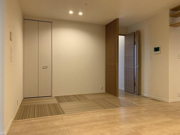 和室 リビング隣接の畳スペース