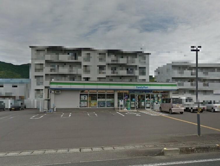 コンビニ 【コンビニエンスストア】ファミリーマート 土佐蓮池店まで1525m