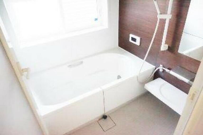 浴室 一日の疲れを癒してくれるバスルームです。