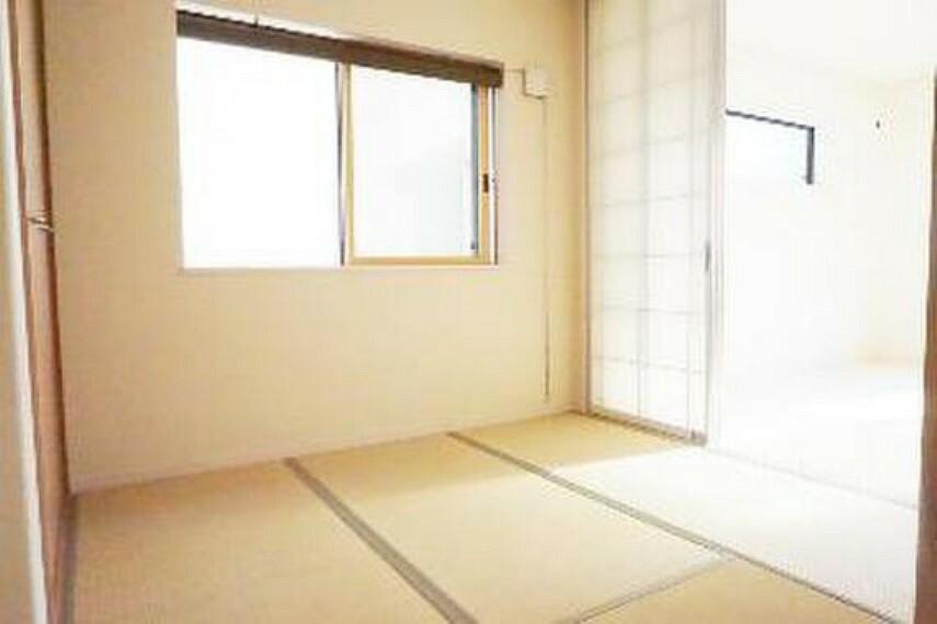 約4帖の和室です。和室が1部屋あると落ち着きますね。