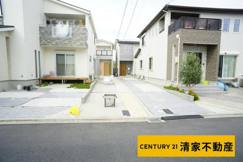 現況写真 駐車スペース2台分あり!(2021年04月撮影)
