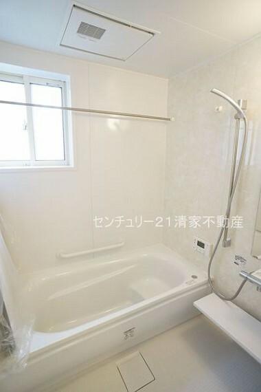 浴室 浴室乾燥機で雨の日でも楽々お洗濯!(2021年04月撮影)
