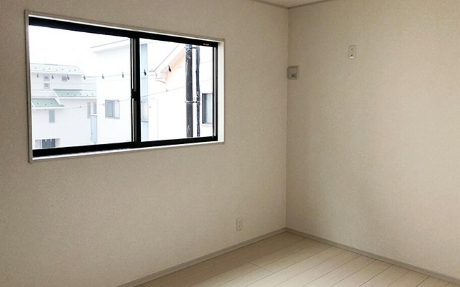 洋室 現地写真:洋室(4号棟)