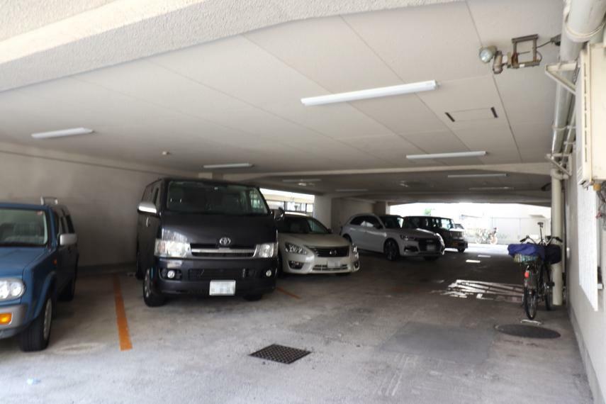 駐車場 【駐車場】 (2020年11月撮影)