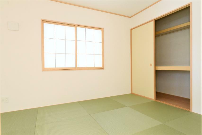 和室 お子様のお昼寝や遊びのスペースにもぴったり! 畳はソフトなので転んでもケガをしにくく安心です。