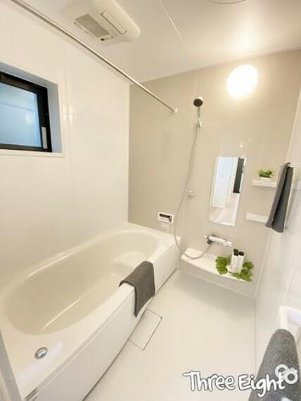 浴室 【1F 浴室】 浴室暖房乾燥機付! 雨の日のお洗濯も安心ですね