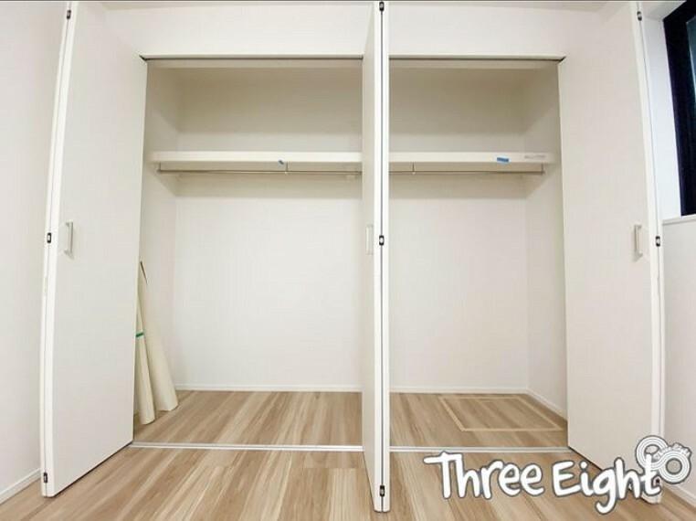 収納 【1F 洋室 6.3帖】 収納内は棚+ハンガーパイプ付きなので、使い勝手も良いですよ