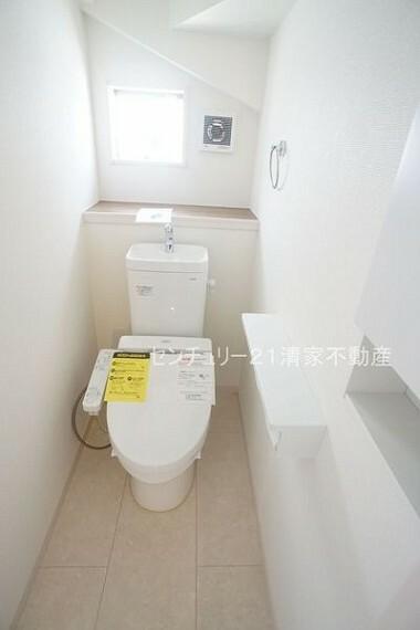 トイレ 2号棟:温水洗浄便座付きトイレ!(2021年02月撮影)