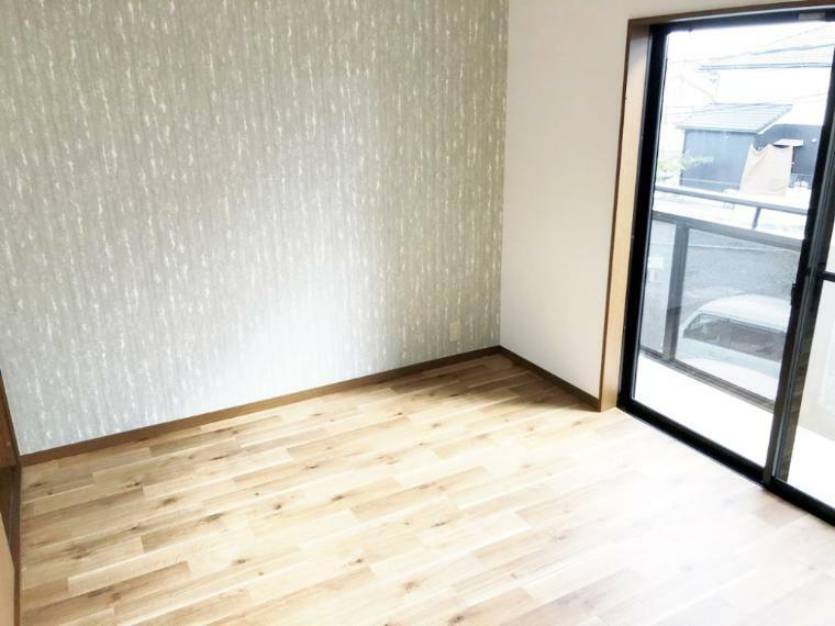 洋室 バルコニーへ出れる2階洋室6帖