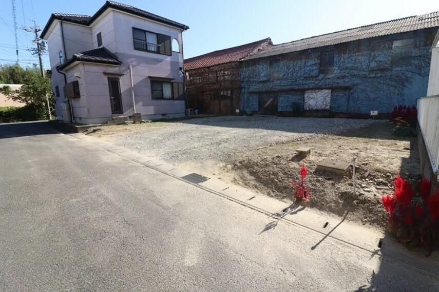 外観・現況 西浦小学校 徒歩12分(約900m)