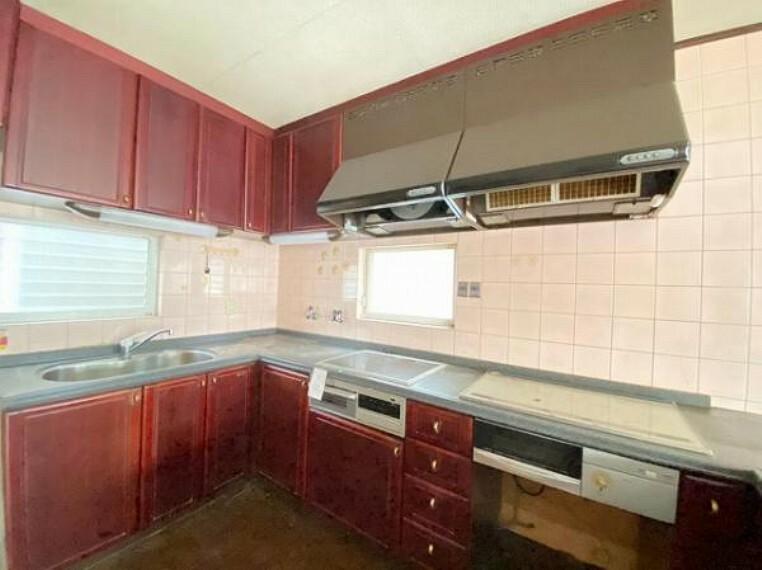 キッチン 収納豊富で使い勝手の良いL型キッチン!