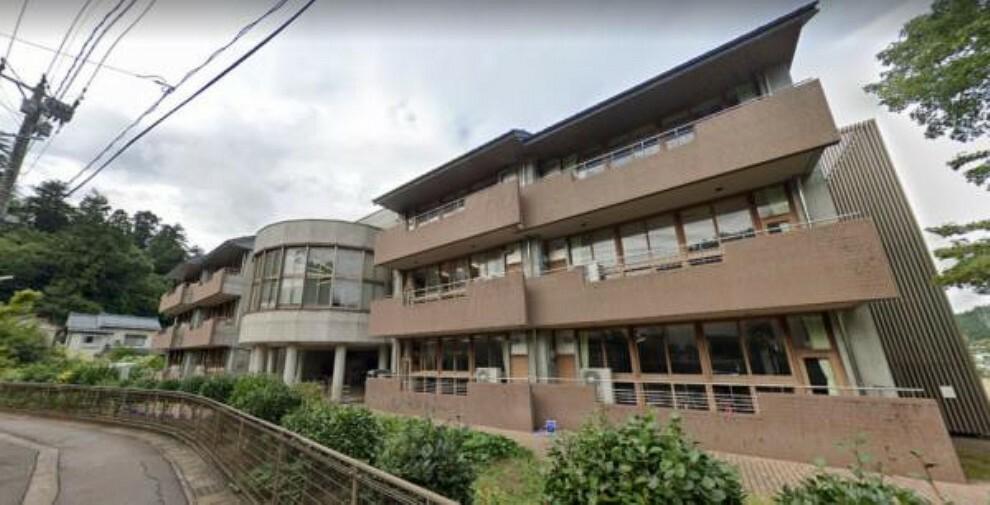 小学校 加茂南小学校まで1.2km 徒歩15分 お友達との通学距離にも程よい距離です。
