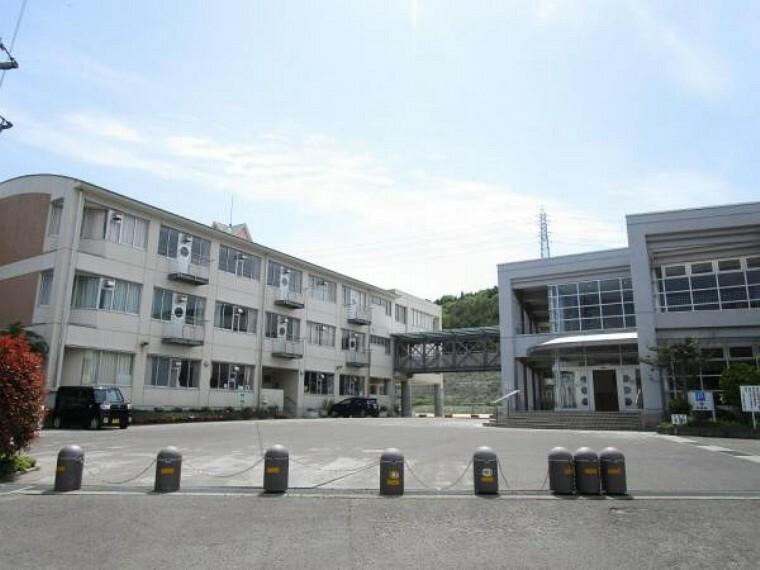 小学校 岡山市立城東台小学校まで1100m(徒歩14分)城東台小学校では「思いやりのあふれる子」「学びあう子」「元気な子」の育成を目指して日々教育に取り組んでいます。