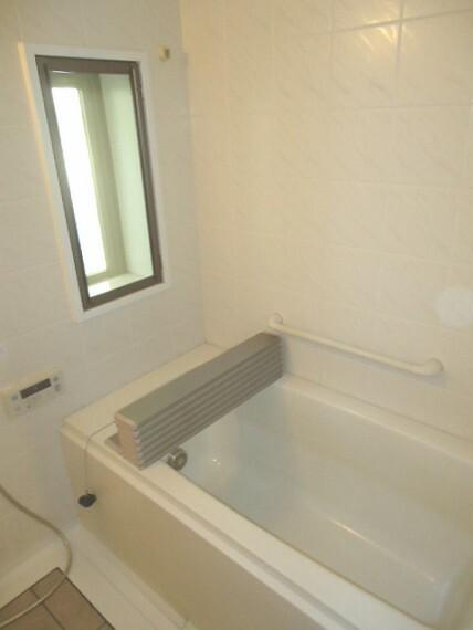 浴室 窓のある風呂