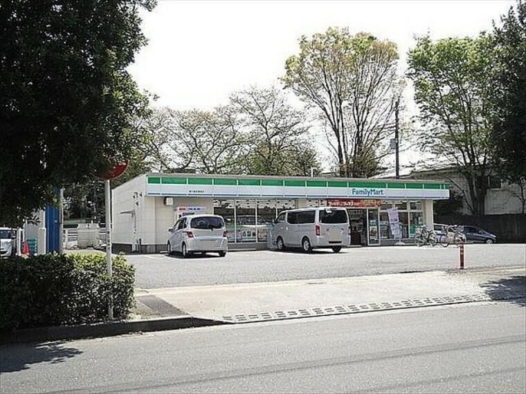 コンビニ ファミリーマート東久留米柳窪店