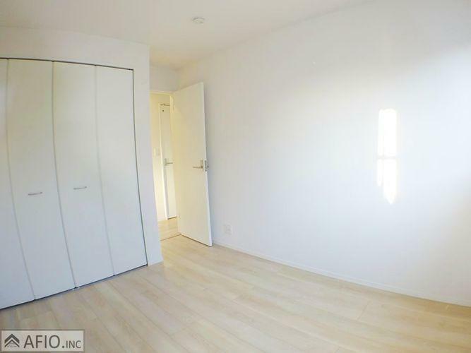理想のイメージをかたちにしやすいシンプルなお部屋!