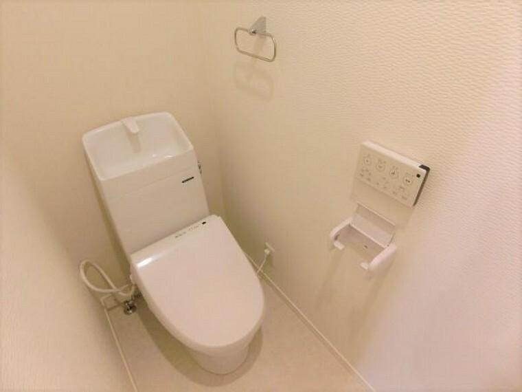 トイレ 1階2階共にウォッシュレット付きトイレ。