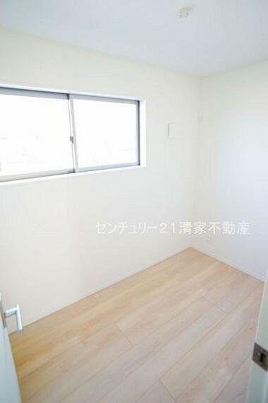 専用部・室内写真 2号棟:在宅勤務に便利なテレワークルームあり!(2021年03月撮影)