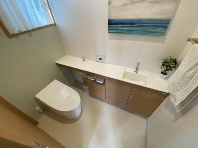 トイレ トイレは1階と2階にございます! 手洗い場付きで大変便利です