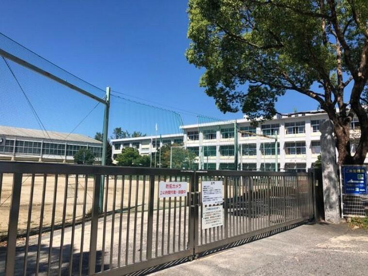 小学校 豊田市立若園小学校 徒歩3分。