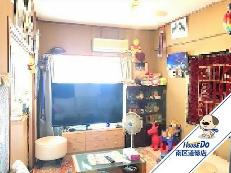 和室 6帖和室:リビング隣の和室です。間仕切りを開放すれば家族みんなの寛ぎの部屋としても多目的にお使い頂けます。