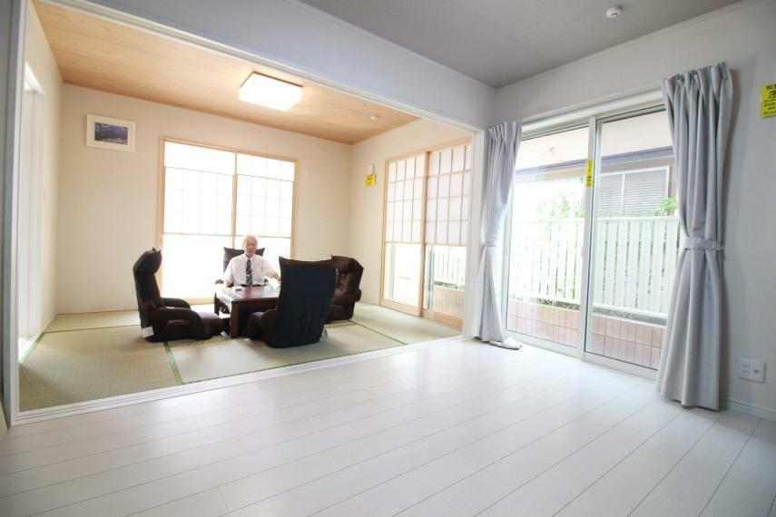 和室 【1F2間続きの和室と洋室】(同仕様)  和室には掘りごたつ付、2間続きなので多目的に使えます。