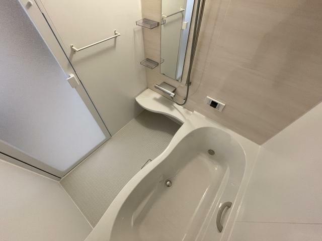 浴室 浴室は柔らかい印象の内装です お休みの日は音楽や読書はいかがですか