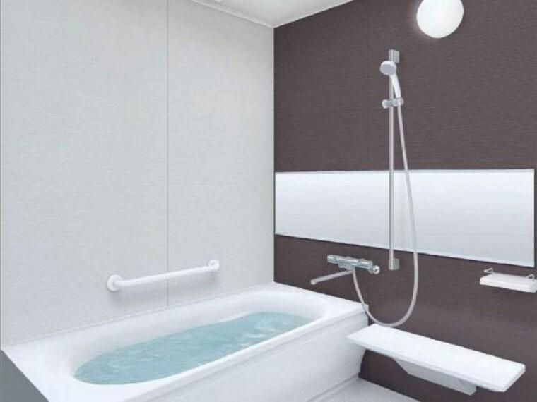 浴室 【同仕様写真】浴室には洗濯物干しとしてお使いいただけるハンガーポールが付いています。洗濯機からのすぐの場所になのでシーツなどの大きな洗濯物も干しやすいですね。