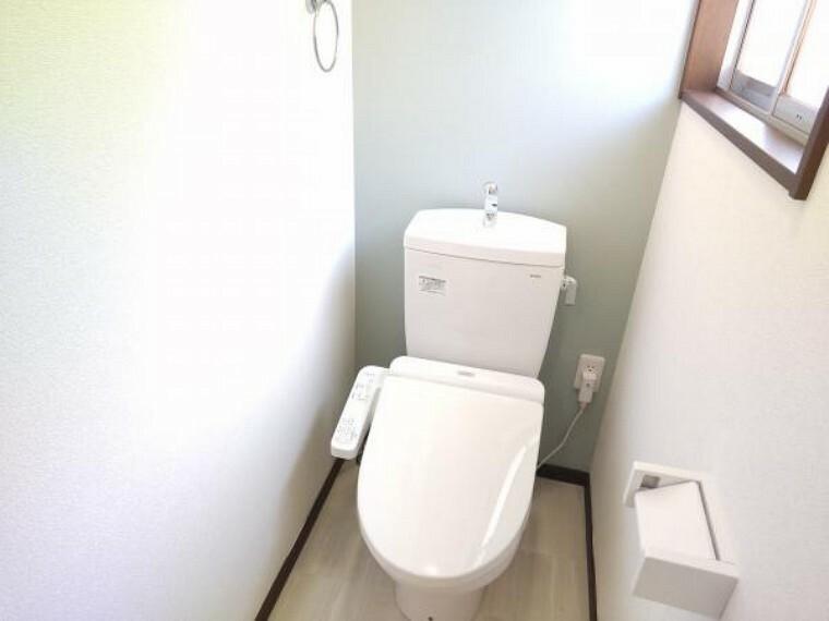 トイレ 【リフォーム済】TOTO製のトイレに新品交換しました。お肌に直接触れるものが新品だと嬉しいですね。