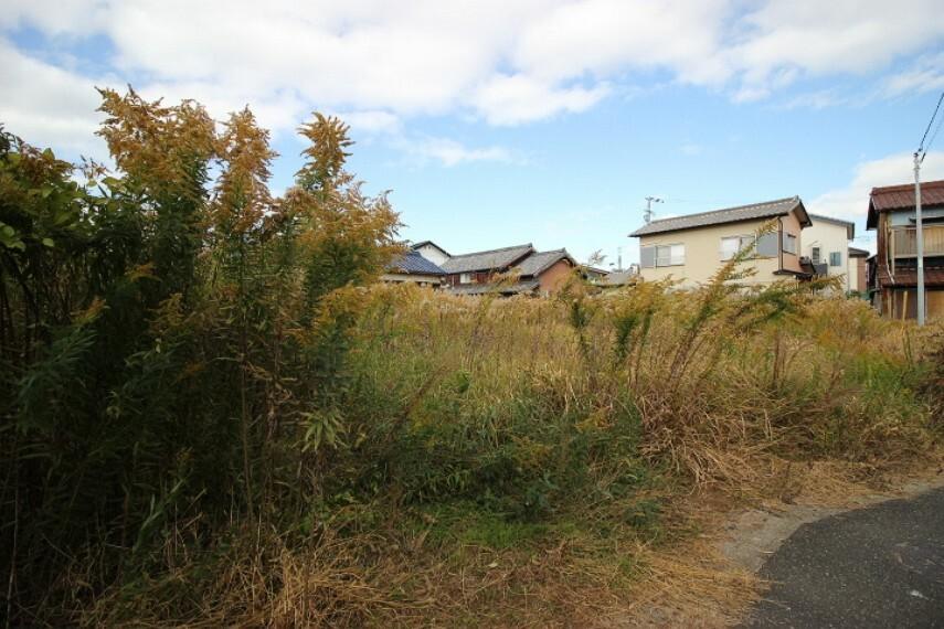 外観・現況 乙川小学校まで徒歩5分(約400m)